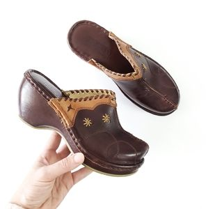 PIKOLINOS Leather embroidered slip on mule clogs